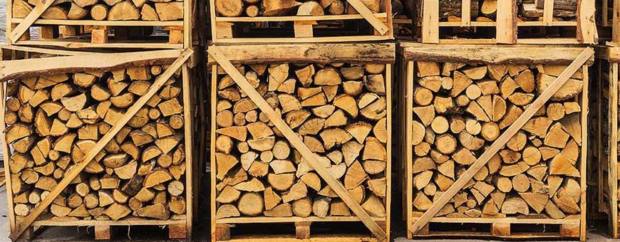 Firewood, wood chips, sawdust